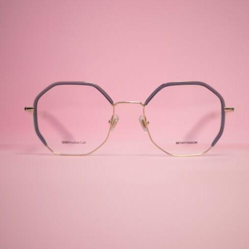Sechseckige Brille mit grauem Rand